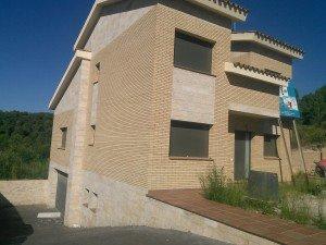 casa-independiente-de-obra-vista-y-marmol_506072